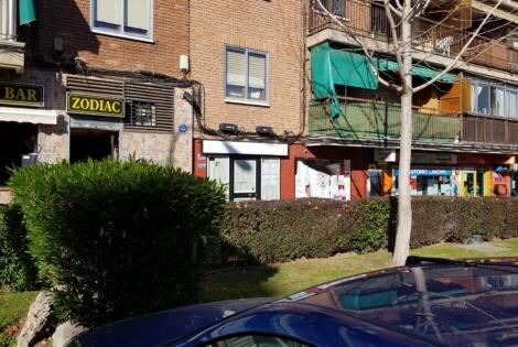 Otra vista exterior del local comercial en alquiler en Móstoles en la calle Río Llobregat 11