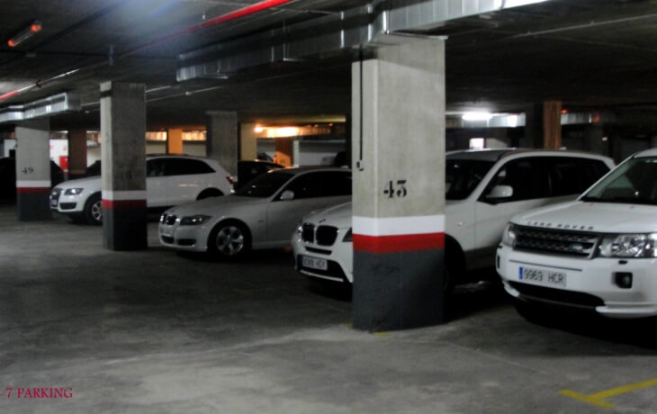 El local cuenta con parking interior privado