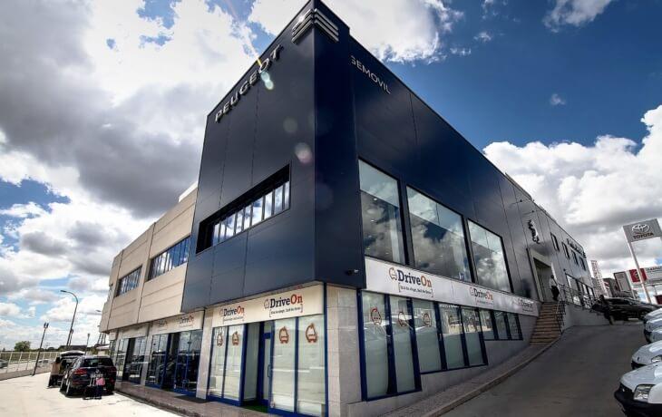 El espacio disponible en alquiler son 828 m².